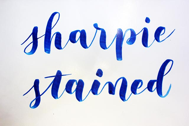 Rotulador Stained Sharpie sobre papel couché satinado